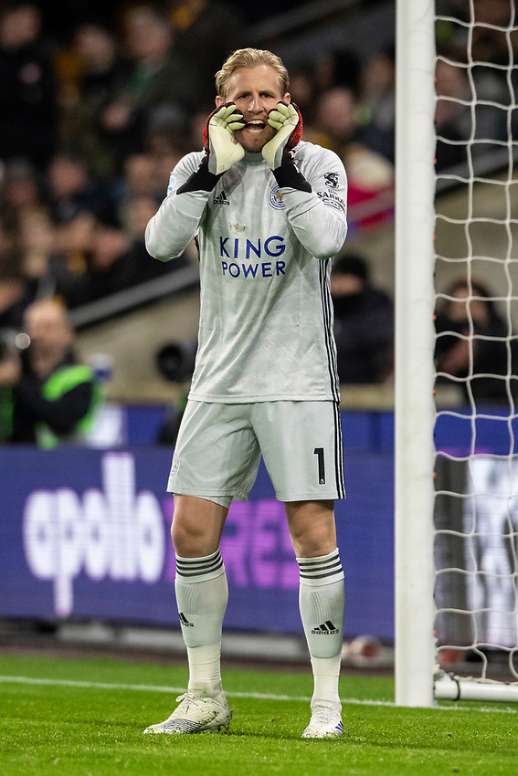 Leicester City's Kasper Schmeichel issues instructions <br /> <br /> Photographer Andrew Kearns/CameraSport<br /> <br /> The Premier League - Wolverhampton Wanderers v Leicester City - Friday 14th February 2020 - Molineux - Wolverhampton<br /> <br /> World Copyright © 2020 CameraSport. All rights reserved. 43 Linden Ave. Countesthorpe. Leicester. England. LE8 5PG - Tel: +44 (0) 116 277 4147 - admin@camerasport.com - www.camerasport.com