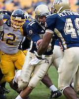 30 September 2006: Pitt quarterback Bill Stull (11)..The Pitt Panthers defeated the Toledo Rockets 45-3 on September 30, 2006 at Heinz Field, Pittsburgh, Pennsylvania.