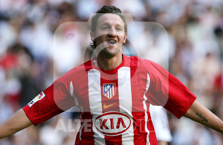 "Atletico de Madrid's Miguel Ferrer ""Mista"" celebrate after scoring during Spanish La Liga match between Real Madrid and Atletico de Madrid at Santiago Bernabeu stadium in Madrid, Sunday 01 October, 2006. (ALTERPHOTOS/Alvaro Hernandez)."