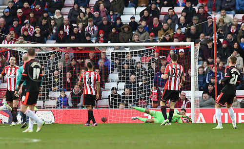 24.01.2015.  Sunderland, England. FA Cup 4th Round. Sunderland versus Fulham. Vito Mannone of Sunderland saves a shot from Cauley Woodrow of Fulham