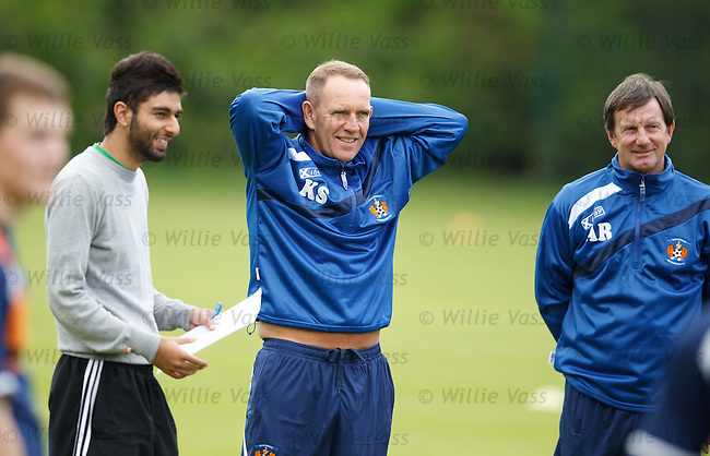 Kenny Shiels with the sports scientists from the University of Glasgow