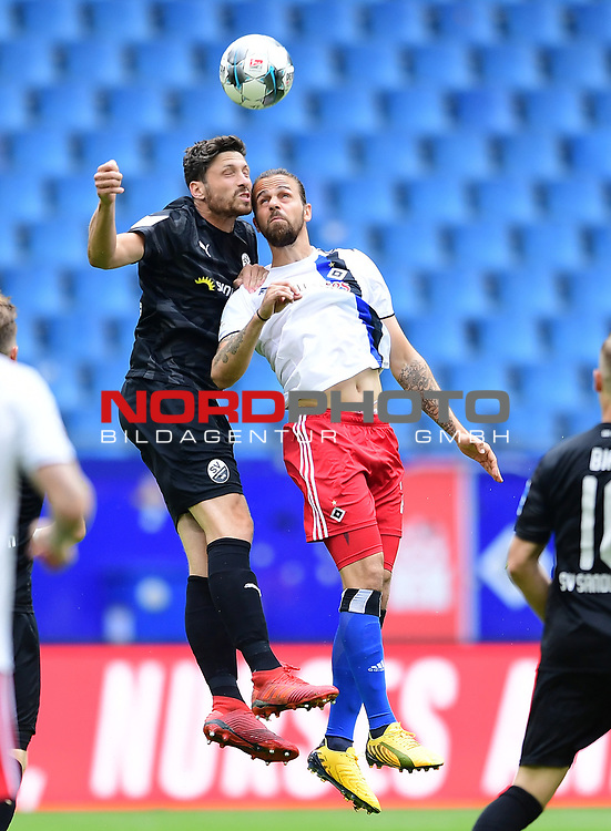 v.l. Tim Kister, Martin Harnik (HSV)<br />