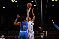 Stanford, Ca - Friday, December 29, 2017.  Stanford University Cardinal Women's Basketball faces off against UCLA at Maples Pavilion on the Stanford campus. Stanford beat UCLA, 76-65.