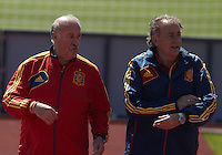 EURO 2012 - POLAND - Gniewino - 13 JUNE 2012 - Spain National Team official MD-1 training. Spain National Team coach Vicente del Bosque talking with his assistant Antonio Grande at the end of the training session.