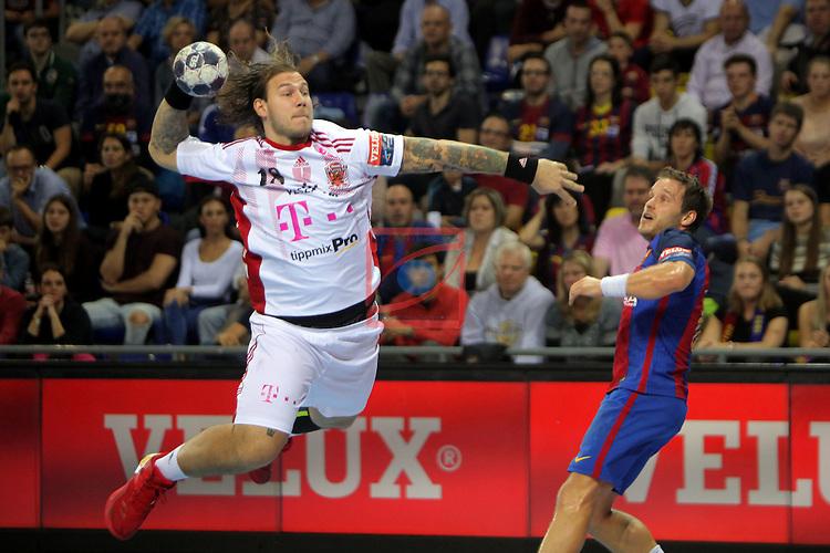 VELUX EHF <br /> 2016/17 EHF Men's Champions League Group Phase - Round 5.<br /> FC Barcelona Lassa vs Telekom Veszprem: 26-23.<br /> Andreas Nilsson vs Victor Tomas.