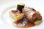 Filet d'iberic farcit de prunes.<br /> Solomillo Iberico relleno de ciruelas.<br /> Iberian tenderloin stuffed with prunes.<br /> Iberischen gef&uuml;llt mit Backpflaumen.<br /> ?????????? ???????, ????????????? ? ???????????