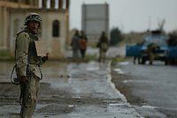 000000.NA.0413.Northbound.kpc--Tikrit--US Marines head into the northern region near Tikrit from the Baghdad.
