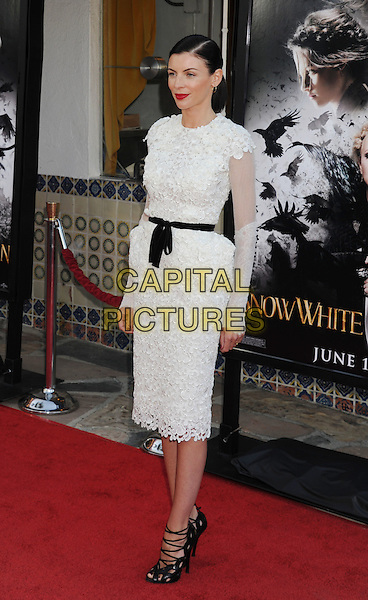 "Liberty Ross.The Los Angeles Screening of ""Snow White And The Huntsman"" at Westwood Village Theatre in Westwood, California, USA..May 29th, 2012 .full length white lace dress black strappy sandals ribbon waist .CAP/ROT/TM.©Tony Michaels/Roth Stock/Capital Pictures"