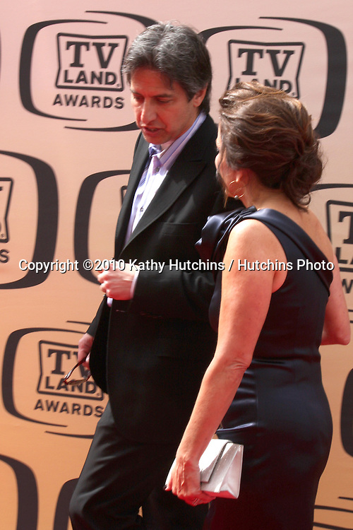 Ray Romano & Patrica Heaton.arrives at the 2010 TV Land Awards.Sony Studios.Culver City, CA.April 17, 2010.©2010 Kathy Hutchins / Hutchins Photo...