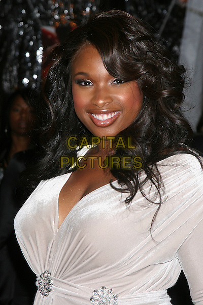 "JENNIFER HUDSON .The ""Dreamgirls"" premiere at the Ziegfeld Theatre in New York City, NY, USA..December 4th, 2006.half length white dress.CAP/IW.©Ian Wilson/Capital Pictures"