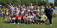 Fussball, 2. Bundesliga, Frauen. Lok Leipzig gegen HSV II. im Bild: Meister der 2. BL Nord, der HSV II. .Foto: Alexander Bley