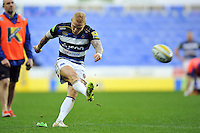 Tom Homer of Bath Rugby kicks for the posts. Aviva Premiership match, between London Irish and Bath Rugby on November 7, 2015 at the Madejski Stadium in Reading, England. Photo by: Patrick Khachfe / Onside Images