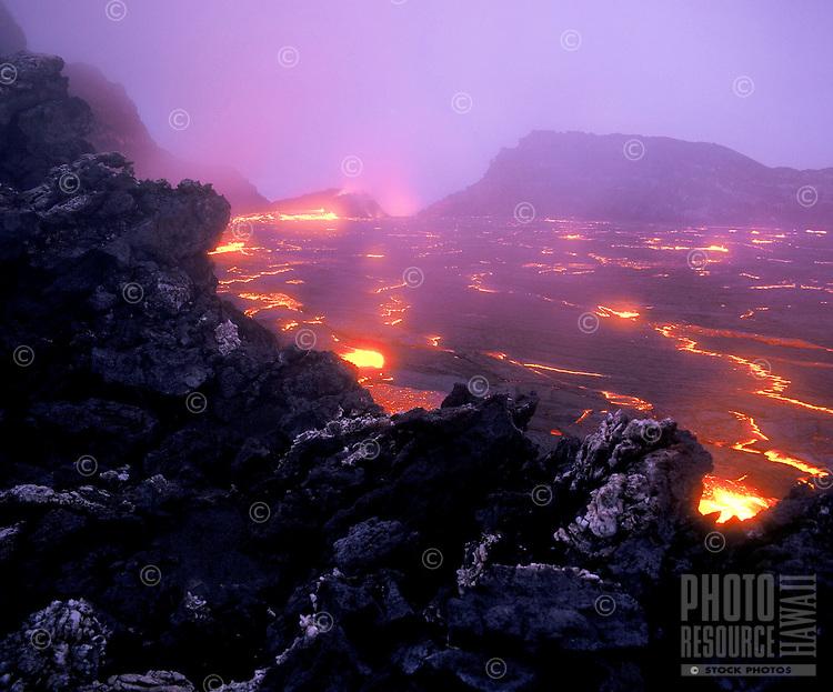 Lava lake at the caldera of Kilauea Volcano, Hawaii Volcanoes national Park, Big Island