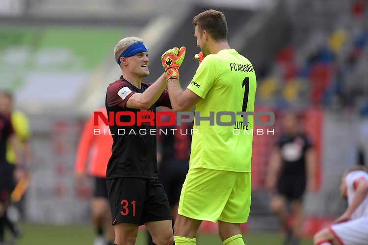 Schlussjubel Philipp MAX (FC Augsburg) mit <br />