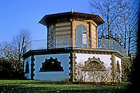 Frankfurt: Early 19th Century octagonal Garden House in Gruneburg Park. Photo '87.
