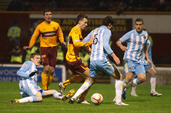 Alan Gow brought down in the box but no Motherwell penalty