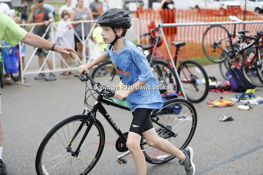 2016 Oregon Kids Triathlon Saturday, August 13, 2016, in Oregon, Wisconsin. (Photo by David Stluka)