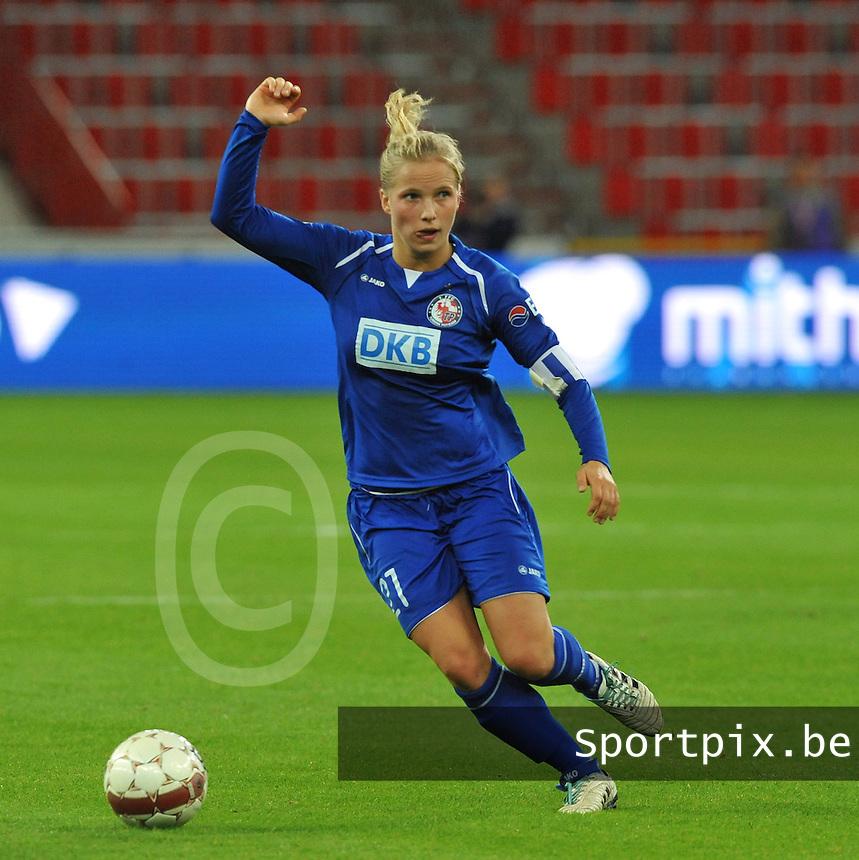 UEFA Women's Champions League: Standard de Liege v Turbine Potsdam ; Round of 32, First leg - 26/09/2012 - 19:00 CET - Stade Maurice Dufrasne - Liege :.Tabea Kemme.foto JOKE VUYLSTEKE / Vrouwenteam.be