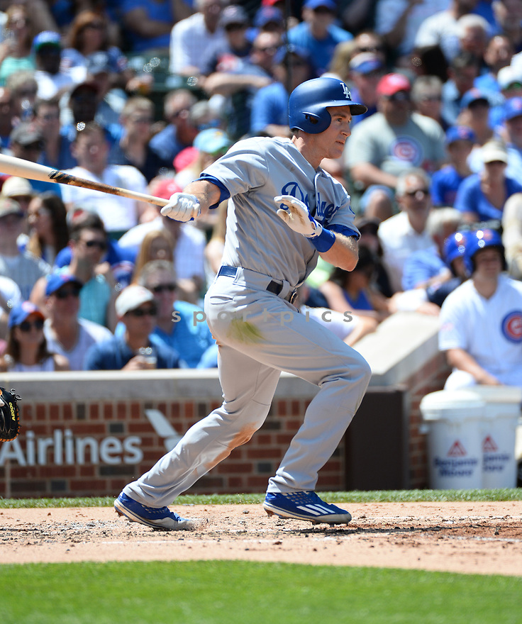 Los Angeles Dodgers Chase Utley (26) during a game against the Chicago Cubs on June 2, 2016 at Wrigley Field in Chicago, IL. The Cubs beat the Dodgers 7-2.