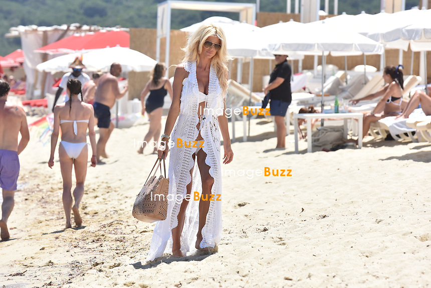 Exclusive - Victoria Silvstedt &amp; boyfriend Maurice Dabbah enjoy some vacation in Saint-Tropez, France.<br /> France, Saint-Tropez, 3 July  2016
