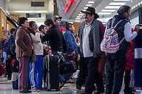 Querétaro, Qro. 30 de diciembre de 2016.- Notable incremento del turismo en el fin de año en la entidad. La terminal de autobuses incrementa visiblemente las entradas y salidas de autobuses.