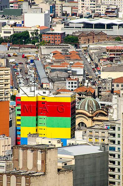 Vista da Galeria Pajé (prédio colorido), a partir do Edifício Itália, São Paulo - SP, 01/2014.