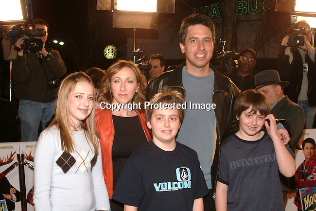 Ray Romano, wife Anna, daughter Ally, sons Greg &amp; Matt<br />