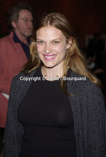 """Vinessa Shaw arriving at the premiere of a new film about World's Great Director Stanley Kubrick """""""" Stanley Kubrick: A life in Pictures """""""" at the Director Guild of America in Los Angeles  5/30/2001  © Tsuni          -            ShawVinessa05.jpg"""