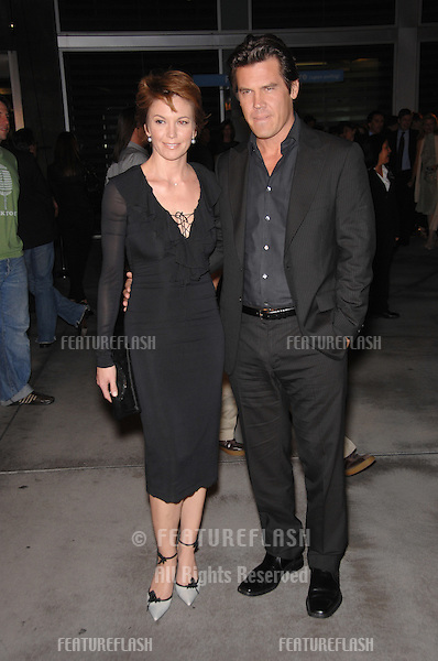 "Josh Brolin & wife Diane Lane at the Los Angeles premiere of his new movie ""In the Valley of Elah""..September 14, 2007  Los Angeles, CA.Picture: Paul Smith / Featureflash"