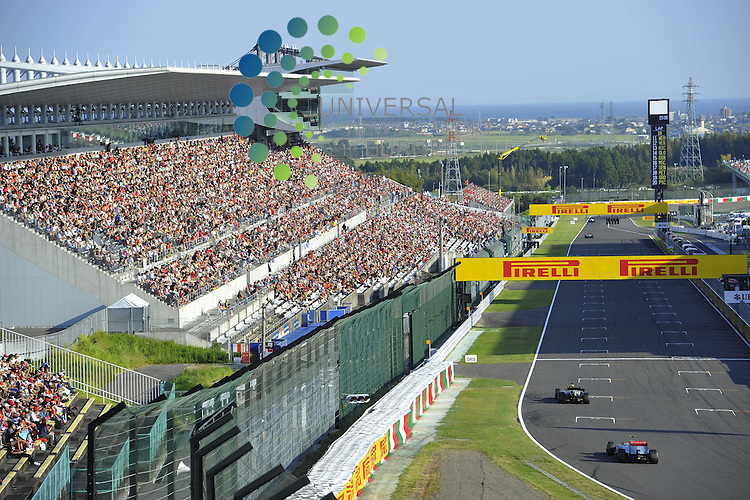 Formula 1 Race 15 GP of Japan, Suzuka - 05.-07. Okt. 2012.Kimi Raikkonen (FIN), Lotus Renault F1 Team - Lewis Hamilton (GBR), McLaren F1 Team .Picture: Hasan Bratic / Universal News And Sport (Scotland). 7 October 2012. www.unpixs.com