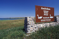 AJ0443, North Dakota, Entrance sign to Audubon National Wildlife Refuge and Lake Sakakawea in Garrison.