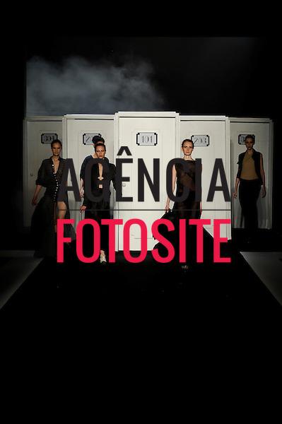 Rio de Janeiro, Brasil – xx/01/2011 - Desfile da Filhas de Gaia durante o Fashion Rio  -  Inverno 2011. Foto : Ze Takahashi / Agência Fotosite