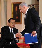 Prime Minister Benjamin Netanyahu of Israel shakes hands with President Hosni Mubarak of Egypt after making remarks in the East Room of the White House following a series bi-lateral meetings in Washington, D.C. on Wednesday, September 1, 2010.  The statements are in advance of the opening of the first direct talks in two years between Israel and the Palestinian Authority scheduled to begin at the State Department in Washington, D.C. tomorrow.  .Credit: Ron Sachs / Pool via CNP.(RESTRICTION: NO New York or New Jersey Newspapers or newspapers within a 75 mile radius of New York City)