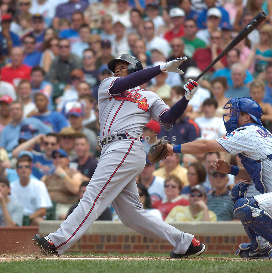 ANDRUW JONES, of the Atlanta Braves , in action during the Braves game against the Chicago Cubs in Chicago, IL, on June 2,  2007...Braves win 5-3...CHRIS BERNACCHI/ SPORTPICS..