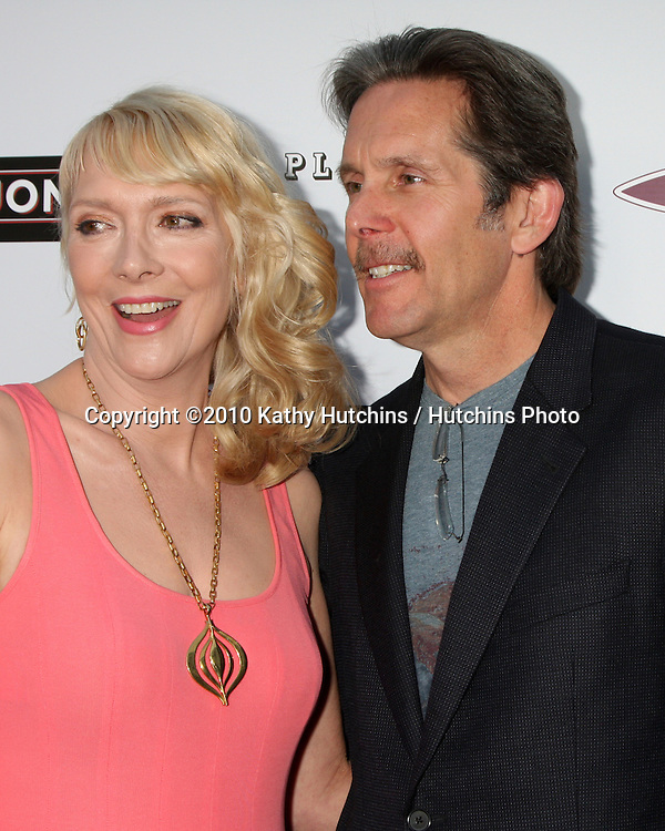 ".Glenne Headly & Gary Cole.arrives at ""The Joneses"" Premiere.ArcLight Theaters.Los Angeles, CA.April 7, 2010.©2010 Kathy Hutchins / Hutchins Photo..."