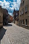 Zielona Góra (woj. lubuskie), 20.07.2013. Ulica Kościelna w centrum miasta.