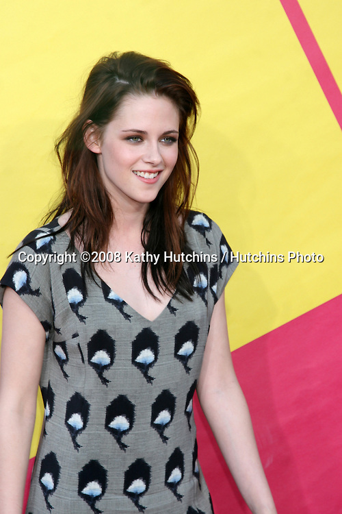 Kristen Stewart  arriving at  the Video Music Awards on MTV at Paramount Studios, in Los Angeles, CA on.September 7, 2008.©2008 Kathy Hutchins / Hutchins Photo....