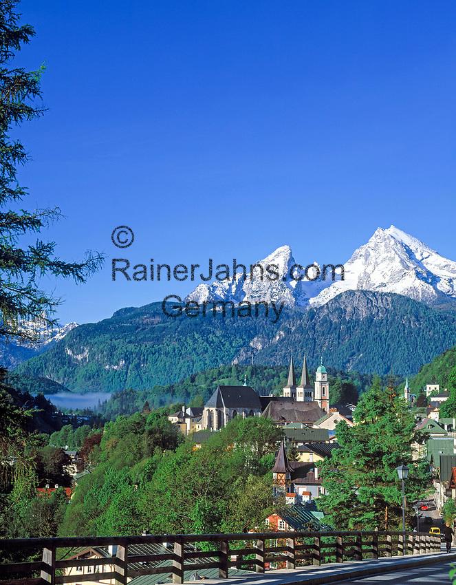 DEU, Deutschland, Bayern, Oberbayern, Berchtesgadener Land, Berchtesgaden mit Watzmann (2.713 m) | DEU, Germany, Bavaria, Upper Bavaria, Berchtesgadener Land, Berchtesgaden with Watzmann mountain (2.713 m)