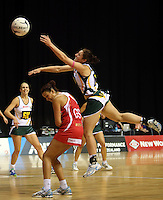 01.11.2012 England's Rosie Allison and South Africa's Amanda Mynhardt in action during the netball test match between England and South Africa as part of the Quad Series played at the Claudelands Arena in Hamilton. Mandatory Photo Credit ©Michael Bradley.