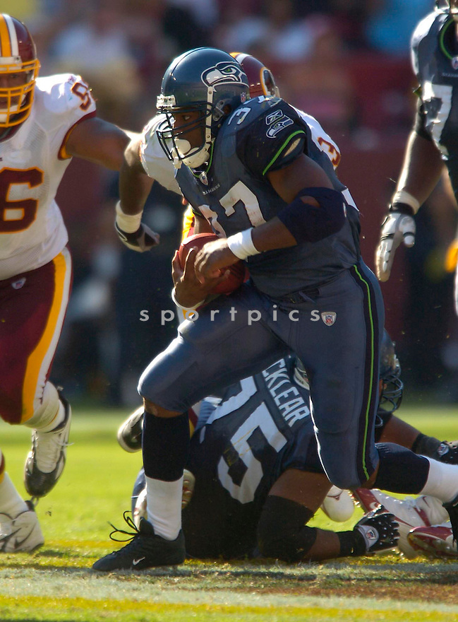 Shaun Alexander, of the Seattle Seahawks, during their game against the Washington Redskins on October 2, 2005...Redskins win 20-17...David Durochik / SportPics