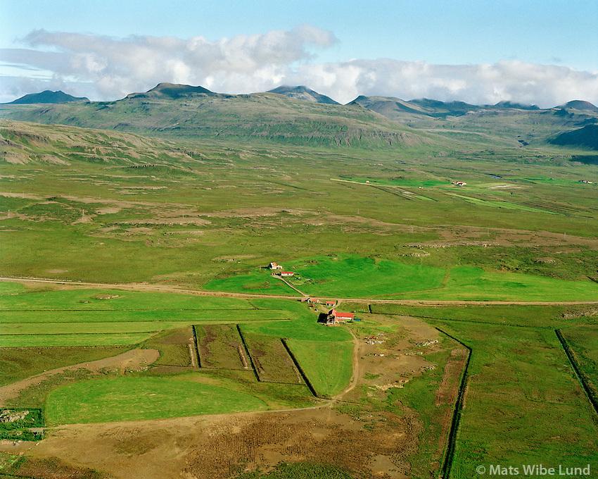 Hofsta&eth;ir s&eacute;&eth; til nor&eth;urs, Eyja- og Miklaholtshreppur /<br /> Hofstadir viewing north, Eyja- og  Miklaholtshreppur.