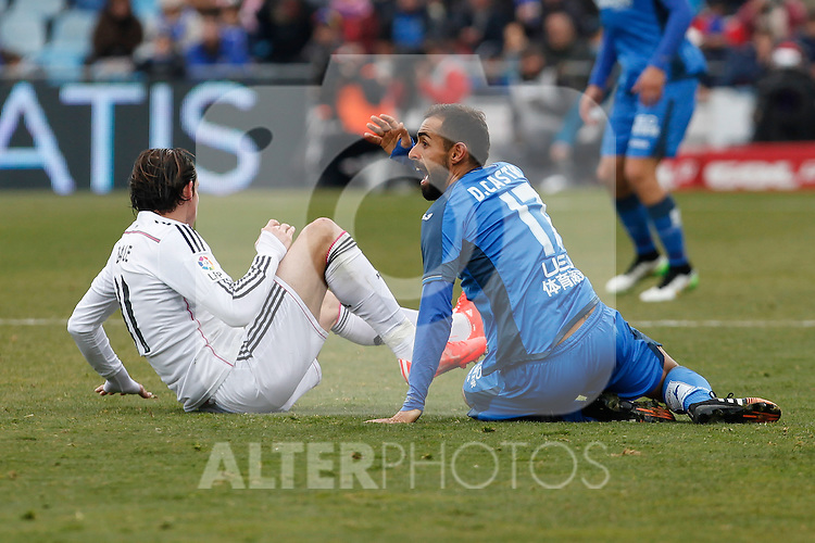 Getafe´s Diego Castro and Real Madrid´s Bale during La Liga match at Coliseum Alfonso Perez stadium  in Getafe, Spain. January 18, 2015. (ALTERPHOTOS/Victor Blanco)