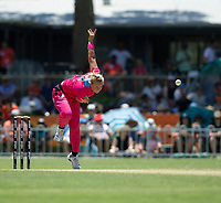 24th November 2019; Lilac Hill Park, Perth, Western Australia, Australia; Womens Big Bash League Cricket, Perth Scorchers versus Sydney Sixers; Hayley Silver-Holmes of the Sydney Sixers bowls during the Scorchers innings - Editorial Use
