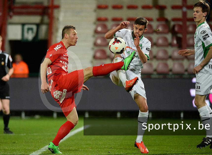 KV Kortrijk - Cercle Brugge : duel tussen Teddy Chevalier (l) en Thibaut Van Acker (r) <br /> foto VDB / BART VANDENBROUCKE