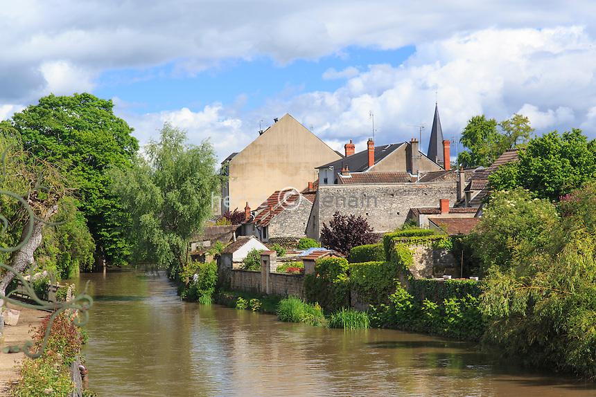 France, Cher (18), Saint-Amand-Montrond, la ville le long de la Marmande // France, Cher, Berry region, Saint Amand Montrond, along the Marmande
