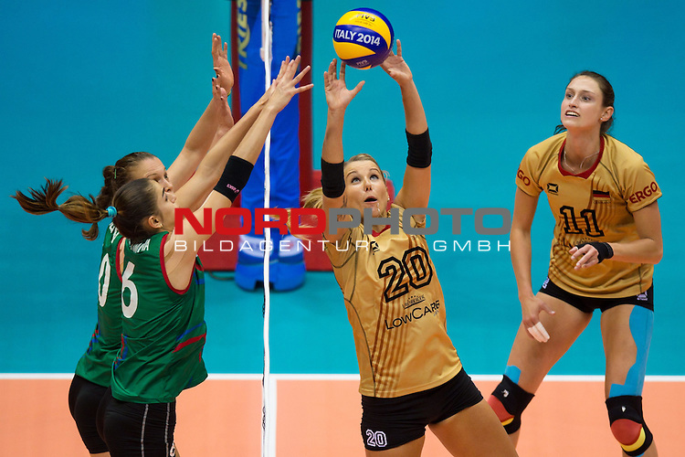 05.10.2014, Pala Trieste, Triest<br /> Volleyball, FIVB Volleyball Women`s World Championship 2014, 2. Runde, Deutschland (GER) vs. Aserbaidschan (AZE)<br /> <br /> Block / Doppelblock Jana Matiasovska-Aghayeva (#10 AZE), Ayshan Abdulazimova (#6 AZE) - Zuspiel Mareen Apitz (#20 GER), Christiane F&uuml;rst / Fuerst (#11 GER)<br /> <br />   Foto &copy; nordphoto / Kurth