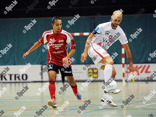 2012-10-12 / Futsal / seizoen 2012-2013 / Antwerpen - Lier / Ahmed Sababti (r. Antwerpen) met Karim Bouyakoubi..Foto: Mpics.be