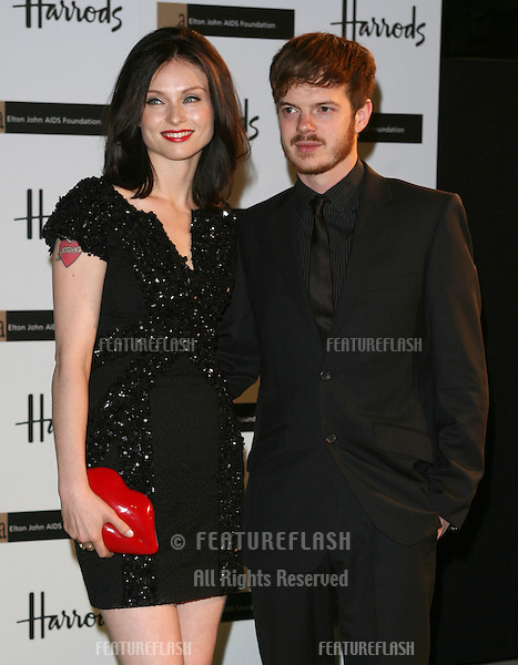 Sophie Ellis Bextor and husband Richard Jones arriving at The Emerald Ball in aid of The Elton John AIDS Foundation at Harrods. 05/11/2009   Alexandra Glen / Featureflash