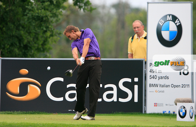 Joost Luiten (NED) tees off on the 18th tee during the Final Day of the BMW Italian Open presented by Carta Si at Royal Park I Roveri, Turin, Italy, 12th June 2011 (Photo Eoin Clarke/Golffile 2011)