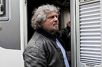 San Donato (Milano) 19-04-2012: Beppe Grillo leader del movimento 5 stelle durante la campagna elettorale per le amministrative 2012
